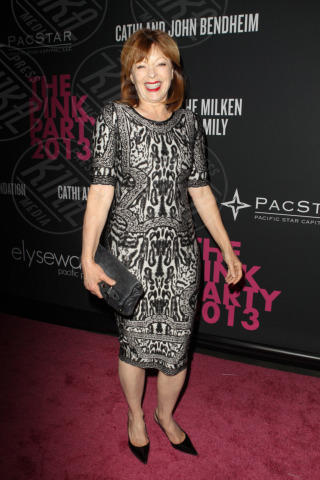 Frances Fisher - Santa Monica - 20-10-2013 - Anne Hathaway splendida madrina del Pink Party