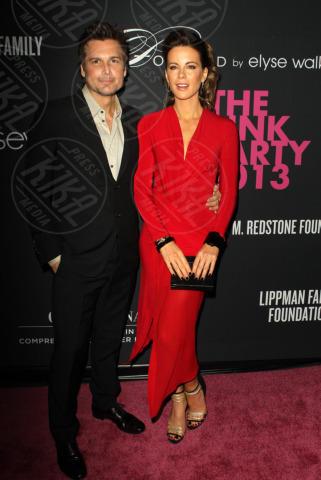 Len Wiseman, Kate Beckinsale - Santa Monica - 20-10-2013 - Anne Hathaway splendida madrina del Pink Party