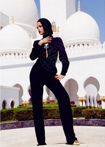Rihanna - Abu Dhabi - Troppo sexy per la moschea di Abu Dhabi: Rihanna espulsa
