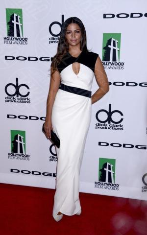 Camila Alves - Beverly Hills - 21-10-2013 - Bianco e nero: un classico sul tappeto rosso!