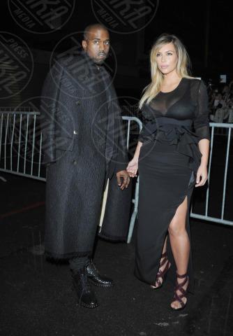 Kim Kardashian, Kanye West - Parigi - 29-09-2013 - Kim Kardashian e Kanye West presto sposi