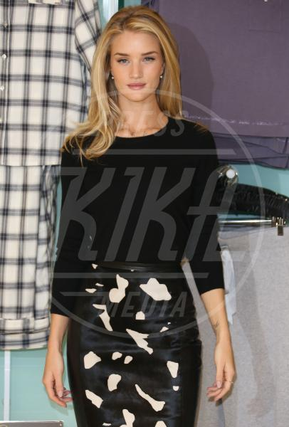 Rosie Huntington-Whiteley - Londra - 16-10-2013 - One Direction al primo posto nella lista dei paperoni UK