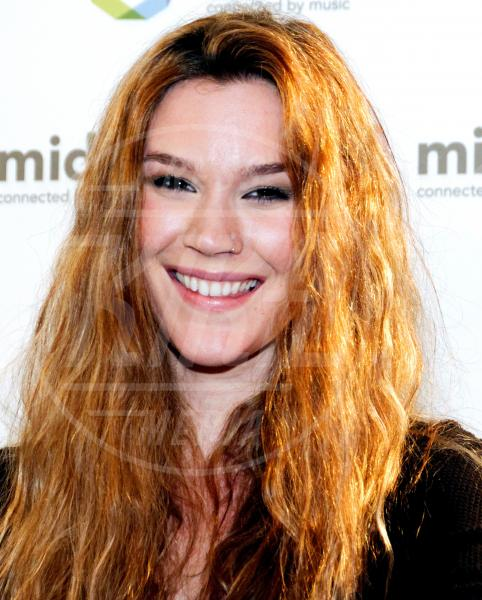 Joss Stone - Cannes - 29-01-2012 - One Direction al primo posto nella lista dei paperoni UK