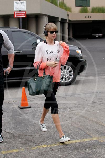 Taylor Swift - Los Angeles - 23-10-2013 - Dillo con una t-shirt: Taylor Swift vuole una vita bohémienne