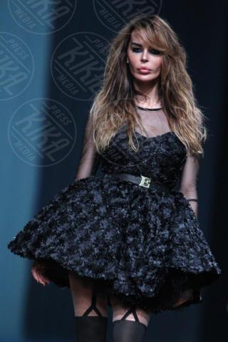 Nina Moric - Zagabria - 24-10-2013 - Nina Moric lascia Massimiliano Dossi su Twitter