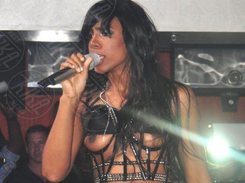 Kelly Rowland - West Orange - 07-08-2011 - Quando i vestiti non fanno il loro dovere la gaffe è assicurata