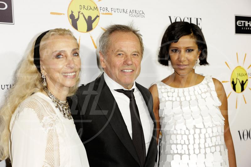 Gelila Assefa Puck, Franca Sozzani, Wolfgang Puck - Los Angeles - 25-10-2013 - Los Angeles rende omaggio a Franca Sozzani sognando l'Africa