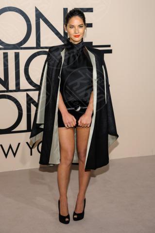 Olivia Munn - New York - 24-10-2013 - Giorgio Armani riunisce le celebrity per One Night Only