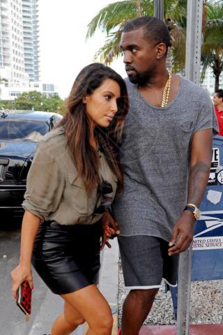 Kim Kardashian, Kanye West - Miami - 08-10-2012 - Non solo divorzi, in arrivo una cascata di fiori d'arancio