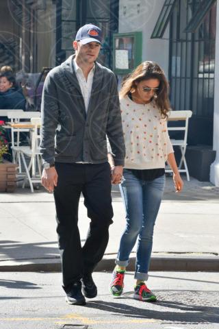 Mila Kunis, Ashton Kutcher - Manhattan - 19-09-2013 - Non solo divorzi, in arrivo una cascata di fiori d'arancio