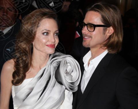 Angelina Jolie, Brad Pitt - Parigi - 16-02-2012 - Non solo divorzi, in arrivo una cascata di fiori d'arancio