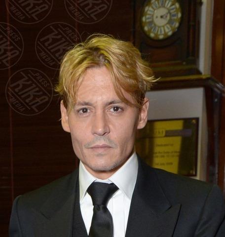 Johnny Depp - Londra - 19-10-2013 - I colpi di testa, o di sole, degli uomini dello showbiz