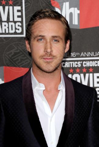 Ryan Gosling - Hollywood - 14-01-2011 - I colpi di testa, o di sole, degli uomini dello showbiz
