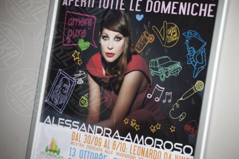 Alessandra Amoroso - Vimercate - 26-10-2013 - Alessandra Amoroso commossa dai suoi fan