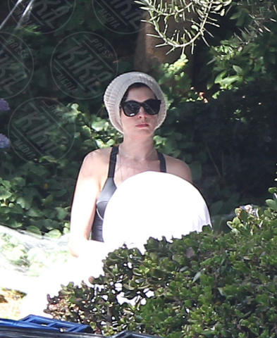 Anne Hathaway - Los Angeles - 27-10-2013 - Star come noi: Anne Hathaway, che barba la festa di Halloween!