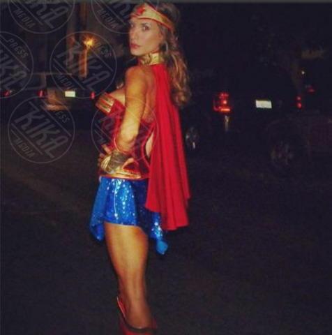 Elisabetta Canalis - Los Angeles - 28-10-2013 - Ad Halloween le star si vestono così