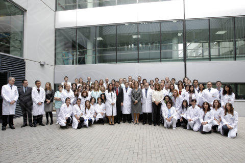 Sofia di Spagna - Madrid - 28-10-2013 - La regina Sofia di Spagna visita l'Ospedale La Paz di Madrid