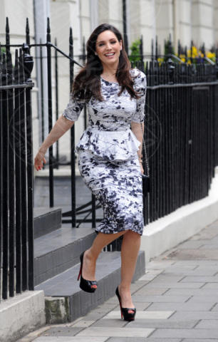 Kelly Brook - Londra - 08-05-2013 - Kelly Brook e Pippa Middleton: chi lo indossa meglio?