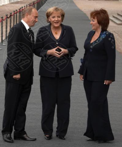 Ljudmila Putina, Vladimir Putin, Angela Merkel - Russia - 06-06-2013 - Forbes: Vladimir Putin è l'uomo più potente al mondo