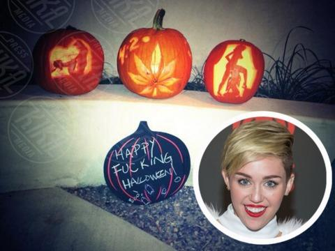 Miley Cyrus - Los Angeles - 30-10-2013 - Dillo con un tweet: il quadretto familiare di Lola Ponce
