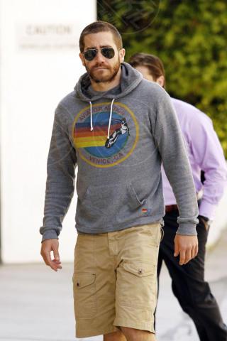 Jake Gyllenhaal - Beverly Hills - 25-05-2011 - Taylor Swift: la verginità rubata da Jake Gyllenhaal