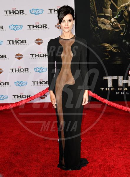 Jaimie Alexander - Los Angeles - 05-11-2013 - Sotto il vestito… niente! Ma proprio niente!
