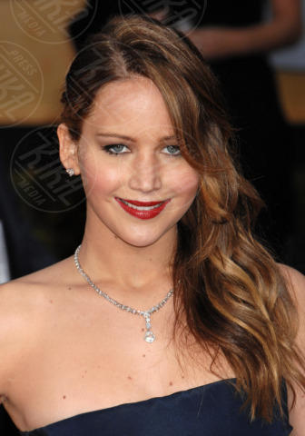 Jennifer Lawrence - Los Angeles - 27-01-2013 - Jennifer Lawrence dà un taglio ai capelli