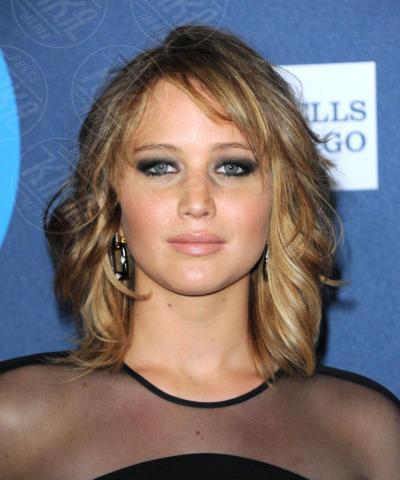 Jennifer Lawrence - Los Angeles - 20-04-2013 - Jennifer Lawrence dà un taglio ai capelli