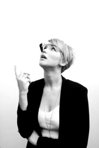 Jennifer Lawrence - Milano - 06-11-2013 - Jennifer Lawrence dà un taglio ai capelli