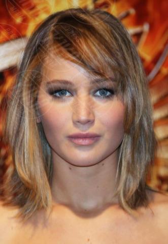 Jennifer Lawrence - Cannes - 18-05-2013 - Jennifer Lawrence dà un taglio ai capelli
