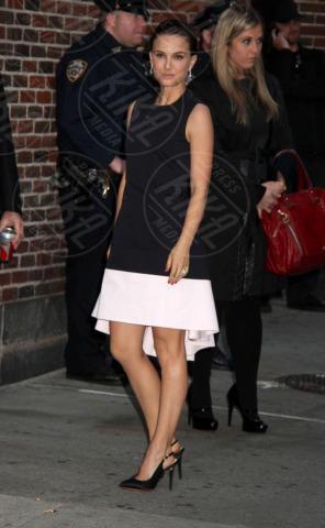 Natalie Portman - New York - 06-11-2013 - Bianco e nero: un classico sul tappeto rosso!