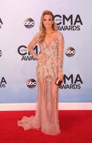 Carrie Underwood - Nashville - 06-11-2013 - Country Music Awards: A Taylor Swift il Pinnacle Award