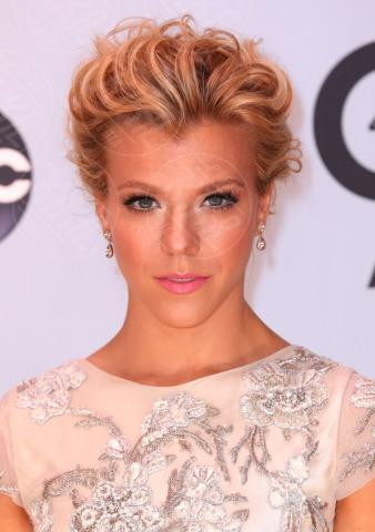 Kimberly Perry - Nashville - 06-11-2013 - Country Music Awards: A Taylor Swift il Pinnacle Award