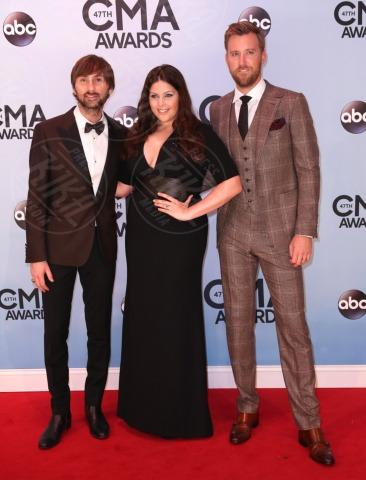 Lady Antebellum - Nashville - 06-11-2013 - Country Music Awards: A Taylor Swift il Pinnacle Award