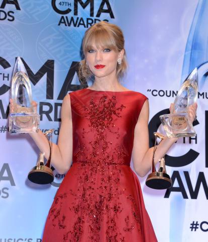Taylor Swift - Nashville - 06-11-2013 - Anche le celebrity sono state vittime di bullismo a scuola
