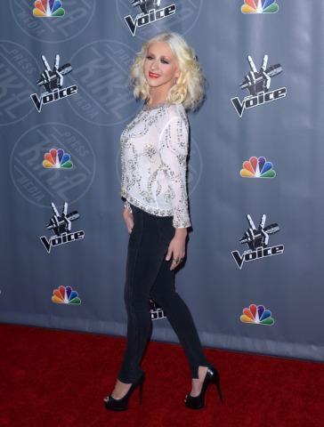 Christina Aguilera - Universal City - 07-11-2013 - Fermate Christina Aguilera: la cantante è sempre più magra