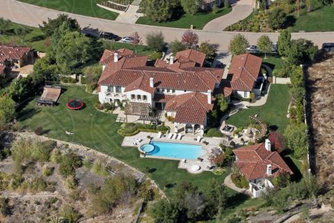 Villa di Justin Bieber - Calabasas - 06-11-2013 - Calabasas: ecco il bunker delle meraviglie di Justin Bieber