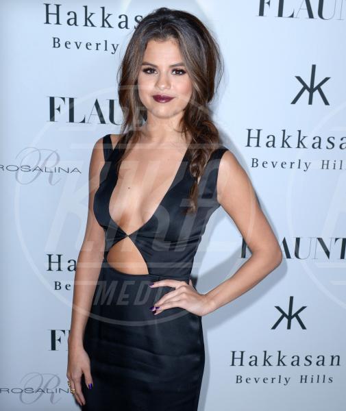 Selena Gomez - Beverly Hills - 08-11-2013 - Anche le celebrity sono state vittime di bullismo a scuola
