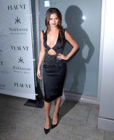 Selena Gomez - Beverly Hills - 08-11-2013 - Selena Gomez è una bomba sexy al party di Flaunt