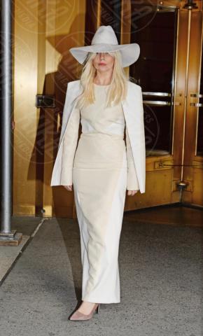 Lady Gaga - New York - 08-11-2013 - Madonna batte Gaga: è lei la musicista più ricca per Forbes