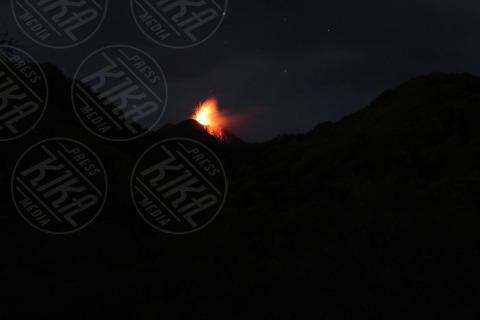 Etna - Catania - 10-11-2013 - Il risveglio notturno dell'Etna: spettacolare eruzione