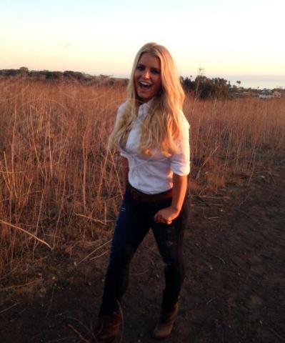 Jessica Simpson - Los Angeles - 11-11-2013 - Dillo con un tweet: è Brian Perri il fidanzato della Canalis
