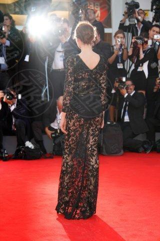Laetitia Casta - Venice - 30-08-2012 - Ellie Goulding e Laetitia Casta: chi lo indossa meglio?