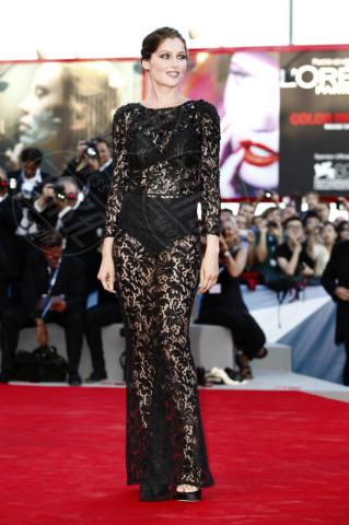 Laetitia Casta - Venezia - 28-08-2012 - Ellie Goulding e Laetitia Casta: chi lo indossa meglio?