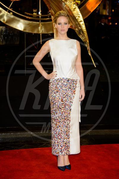 Jennifer Lawrence - Londra - 11-11-2013 - Jennifer Lawrence, i look migliori della ragazza di fuoco