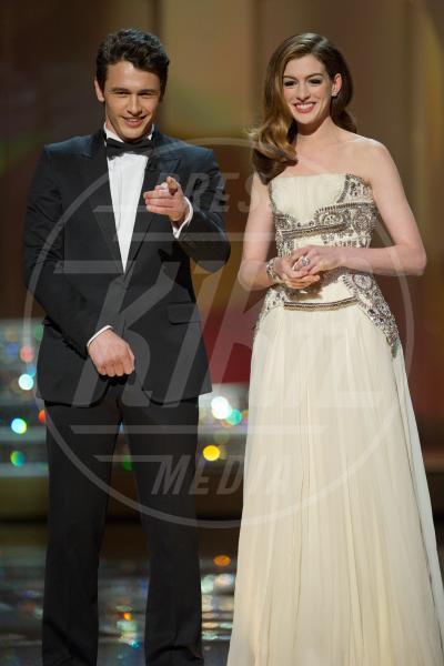 James Franco, Anne Hathaway - Los Angeles - 13-11-2013 - Amici mai, per chi si odia come noi!