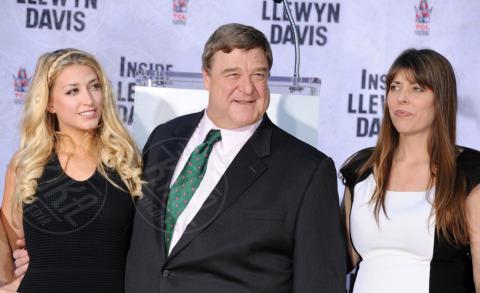Molly Goodman, Anna Beth Goodman, John Goodman - Hollywood - 14-11-2013 - John Goodman lascia l'impronta su Hollywood