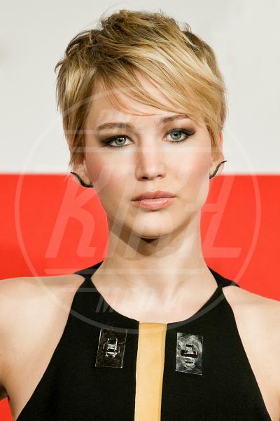 Jennifer Lawrence - Roma - 13-11-2013 - Lungo o corto: le star fanno bene a darci un taglio?