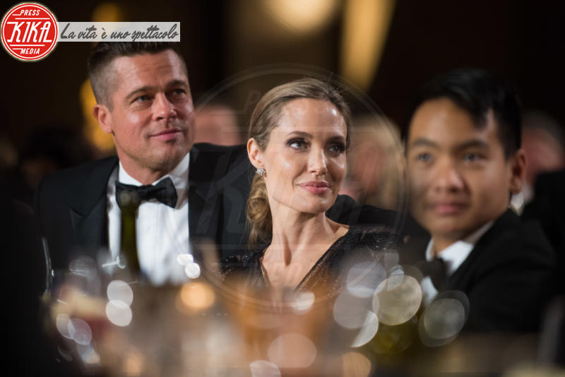 Maddox Jolie Pitt, Angelina Jolie, Brad Pitt - Hollywood - 16-11-2013 - Jolie-Pitt: nuovo accordo per l'estate sulla custodia dei figli