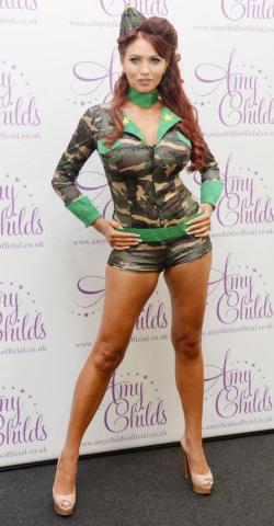 Amy Childs - Londra - 23-09-2013 - Le star che si mimetizzano nella giungla metropolitana
